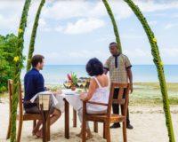 Zanzi resort - večera na pláži